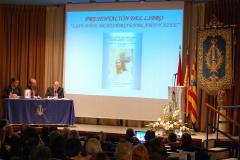 Presentación del libro conmemorativo.
