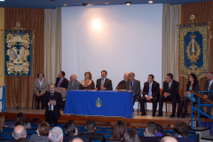 D. Melchor Gutiérrez San Martín  presentando el nuevo Guión del Colegio.