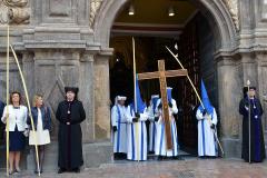 Salida de la Cruz in Memoriam.  Autora: Eugenia Aragonés.