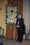 D. Melchor Gutiérrez con el Guión del Colegio.