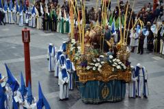 Paso y representaciones en Domingo de Ramos.